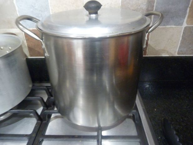 sterilizing bottles pic3 lid on
